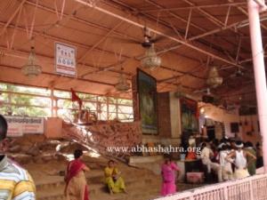 ShreeNathji Mukharwind where Vaishnavs can do Pujan: at Jatipura on Govardhan