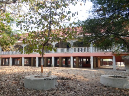 The museum building where one can see paintings depicting Mahaprabhuji's life along with all the Baithaks chitra