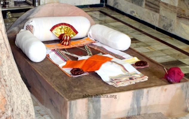 Close up of the Gaddi Darshans of Shri Gusainji